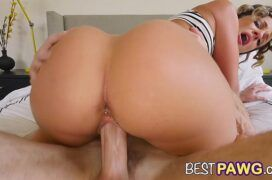Sexo video HD loirinha cuzuda dando bem gostoso